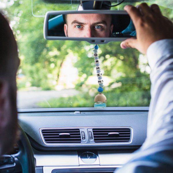 """Ambientador de coche """"Colonia Blue"""" en coche"""