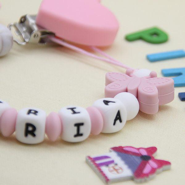Chupetero Pink Love - Personalizado con Nombre de cerca