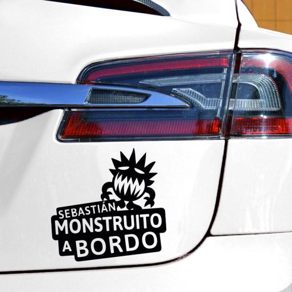 Pegatina Bebé a Bordo - El Monstruito Risitas - en coche con vinilo negro