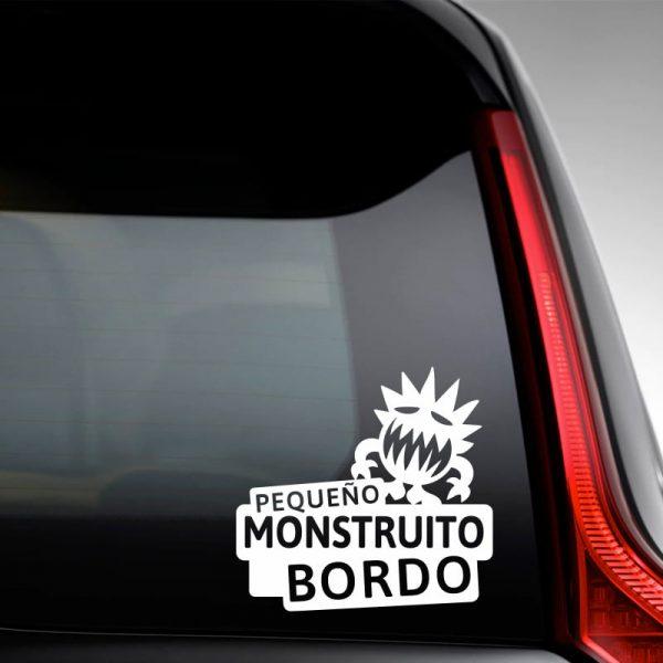Pegatina Bebé a Bordo - El Monstruito Risitas - en la luna trasera con vinilo blanco
