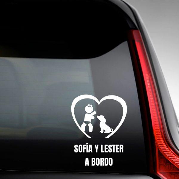 """Pegatina Bebé a Bordo Chica y Perro """"Lester"""" en la luna trasera"""