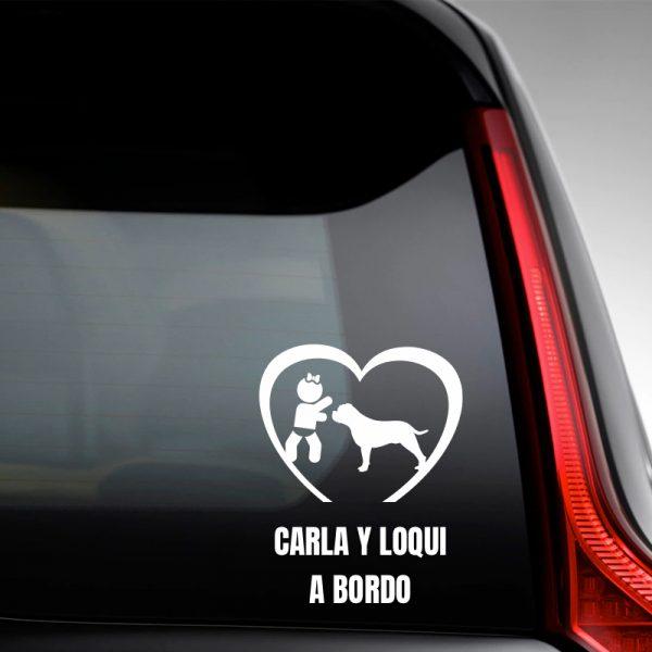 """Pegatina Bebé a Bordo Chica y Perro """"Loqui"""" en la luna trasera"""