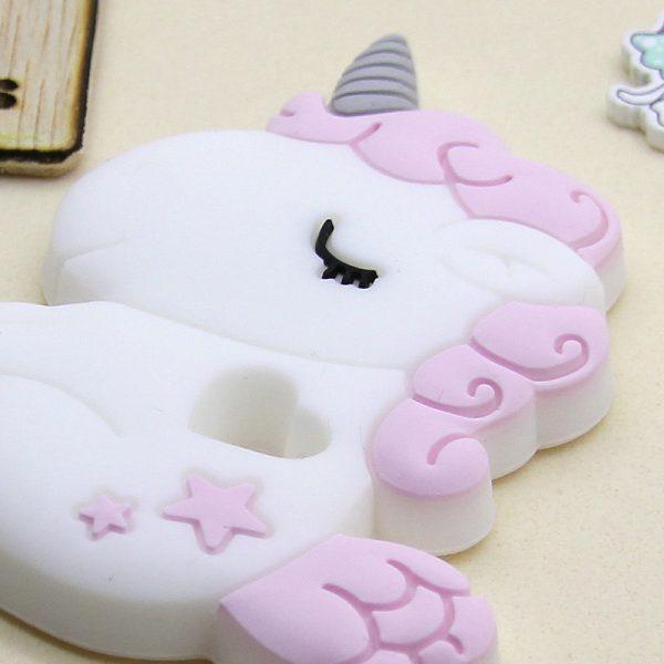 Mordedor de silicona Unicornio Baby de cerca