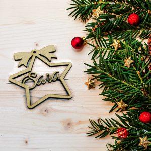 Estrella navidad con nombre troquelado de madera dm 7.5x8cm