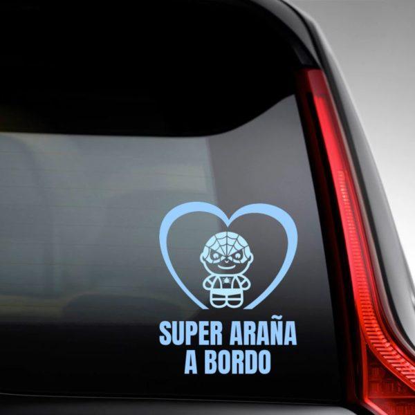 """Pegatina personalizada """"Bebé a Bordo - Super Bicho"""" en la luna del coche"""