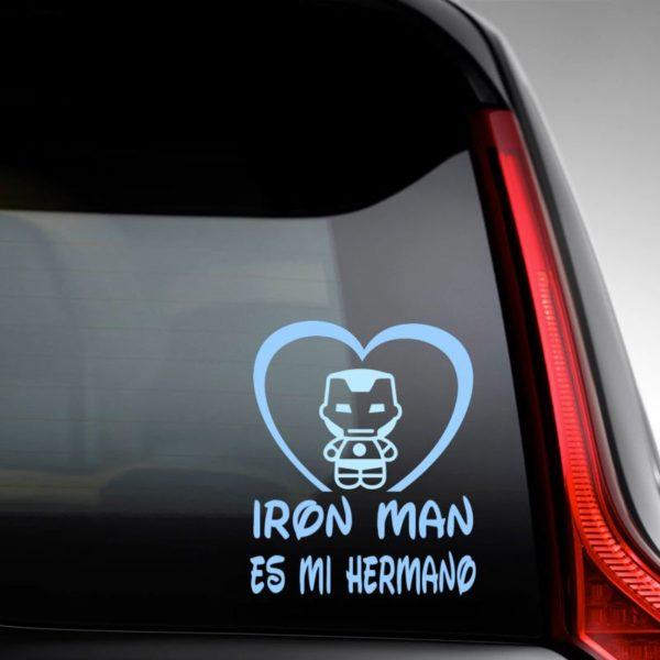 """Pegtaina personalizada """"Bebé a bordo - Super Metal"""" en la luna del coche"""