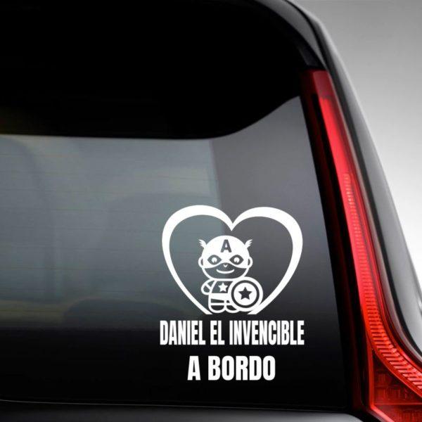 """Pegatina personalizada """"Bebé a bordo - Super Soldado"""" en la luna trasera del coche"""