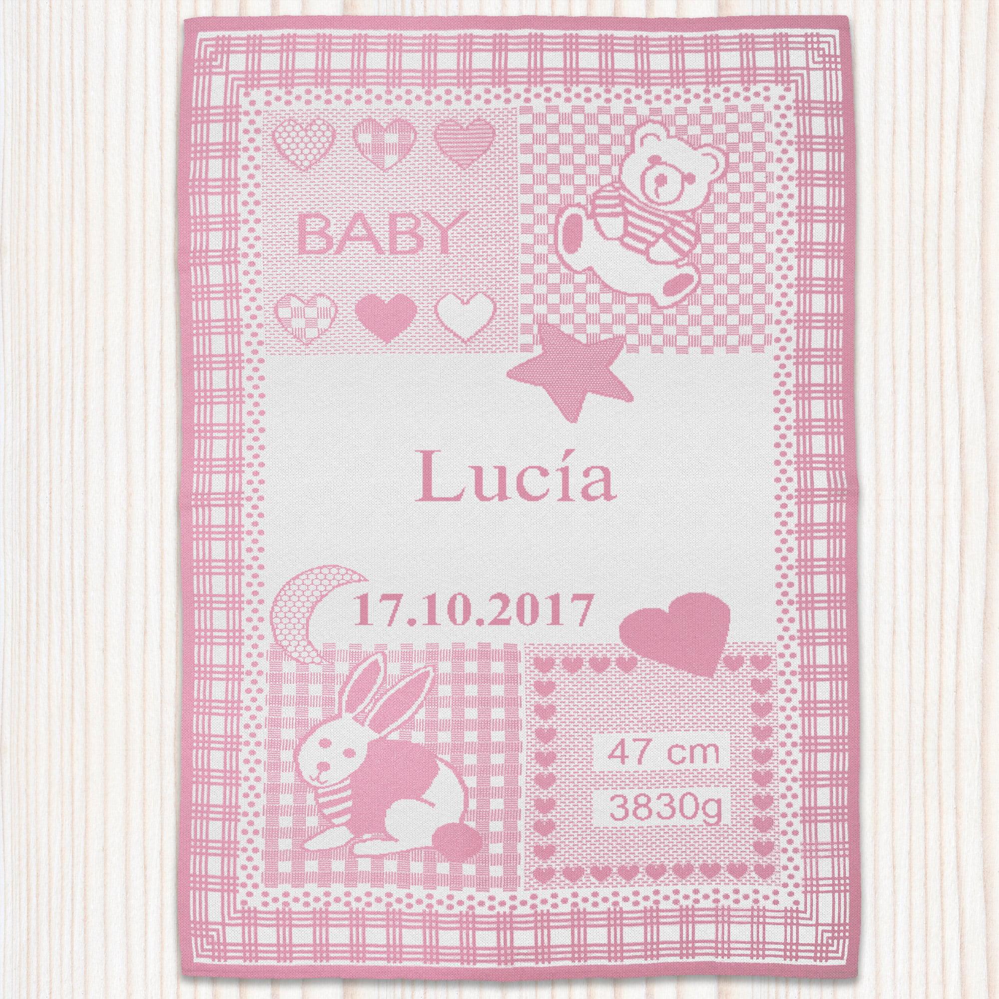 """Manta rosa modelo """"Dulces Sueños"""" con el nombre Lucía"""