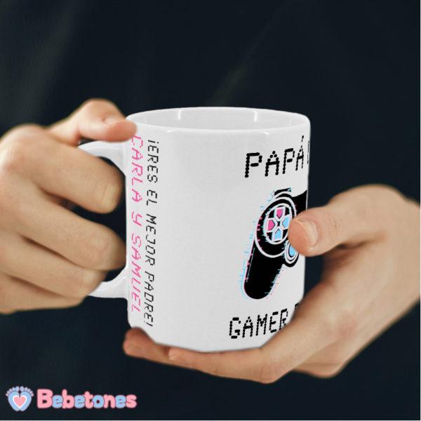 Taza personalizada Papá Gamer Mando Negro